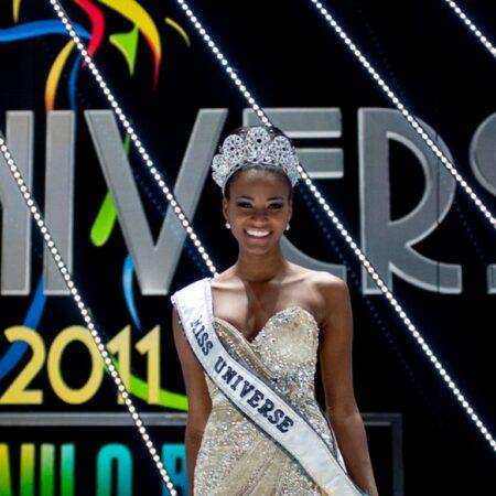 2011_MissUniverso_04